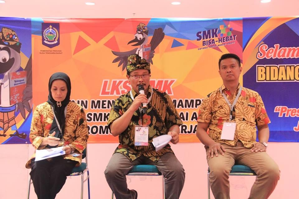 AMA Bandung menjadi Juri Lomba Bilingual Secretary