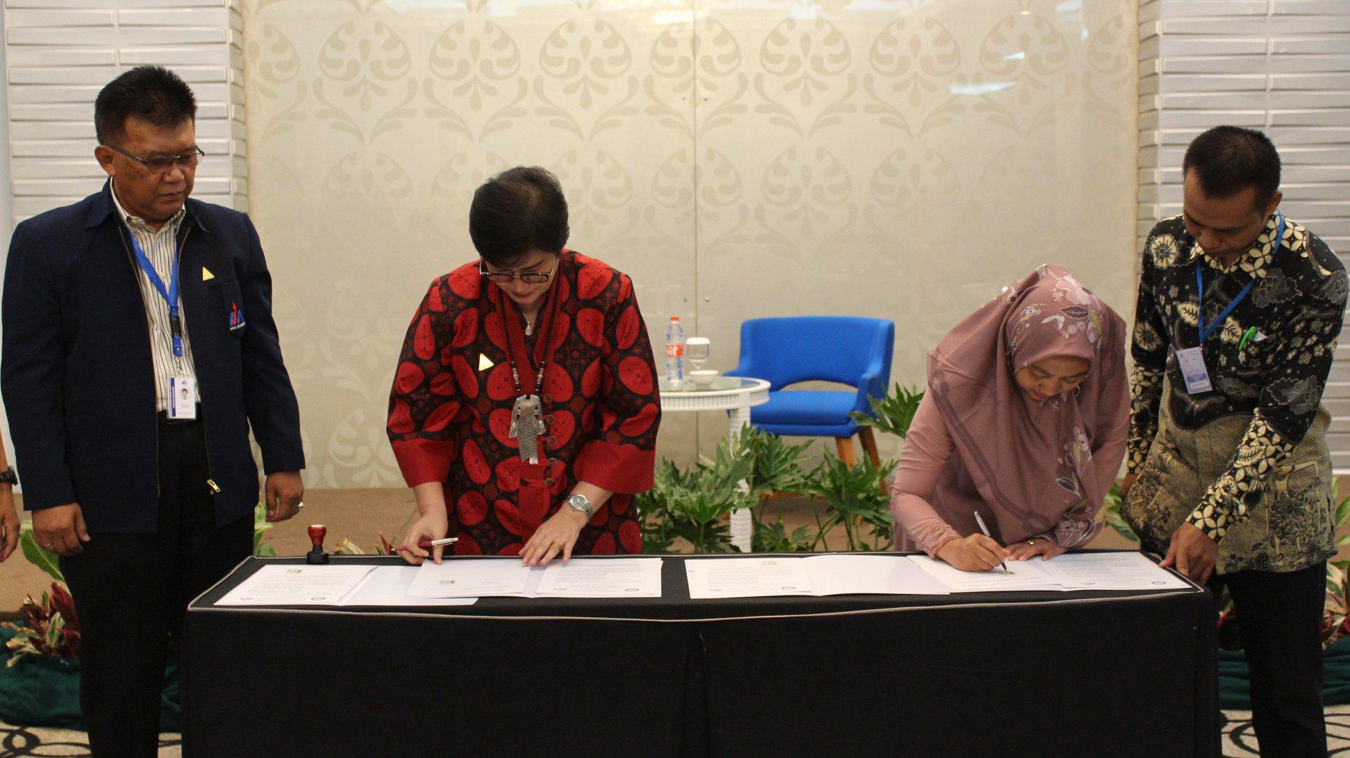Penandatangannan MOU Antara Universitas Garut & AMA Bandung